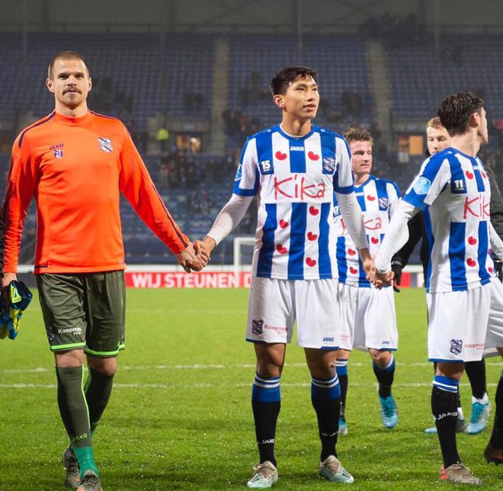 Sau màn ra mắt ngắn ngủi, Đoàn Văn Hậu nhận tin không thể vui hơn từ HLV SC Heereenveen-5