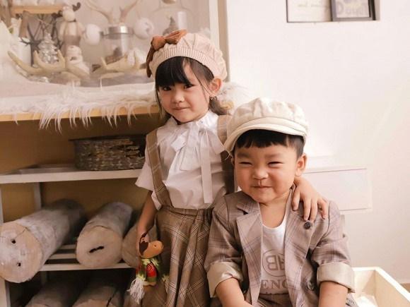 Hải Băng hạnh phúc bên ba con trong bộ ảnh đón Noel-5