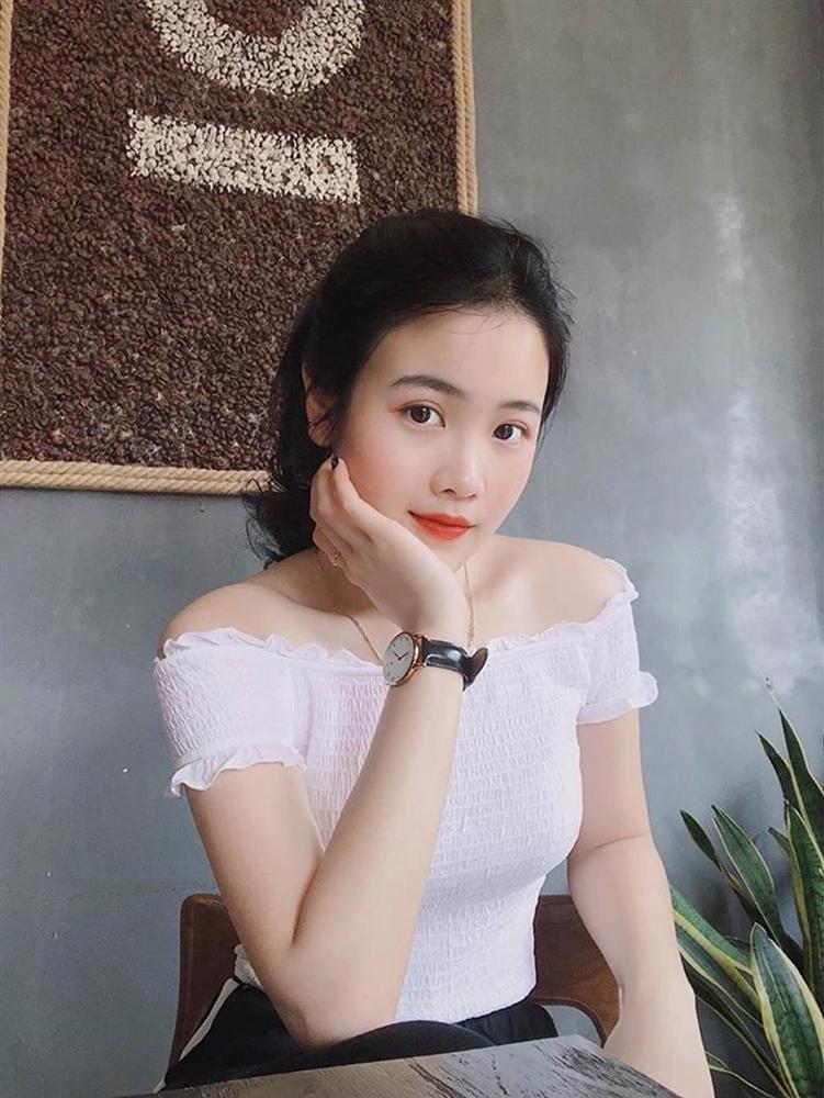 Bạn gái xinh đẹp của Văn Hậu mặc mong manh như sương quyến rũ hút mắt-5