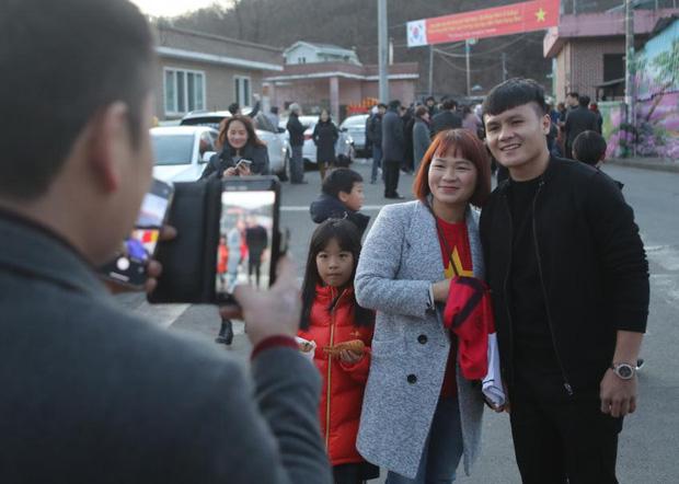 Quang Hải khiến fan Hàn đặc biệt chú ý chỉ bằng một tấm hình, nhận được lời động viên cực tình cảm: Cậu hãy ăn thật nhiều để mau hồi phục nhé-1