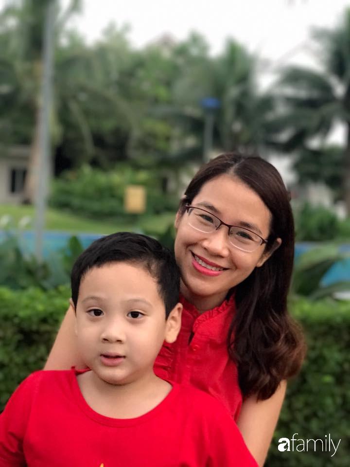 Bà mẹ Hà Nội chia sẻ cách dạy con độc đáo: Con bị điểm kém, thành tích đứng cuối lớp nhưng vẫn làm một điều đặc biệt-1