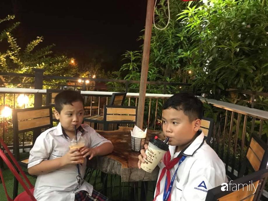 Bà mẹ Hà Nội chia sẻ cách dạy con độc đáo: Con bị điểm kém, thành tích đứng cuối lớp nhưng vẫn làm một điều đặc biệt-2