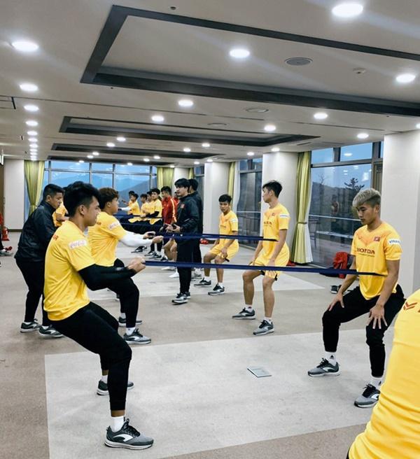 Tin vui từ Hàn Quốc: Quang Hải đã hồi phục chấn thương, tập luyện bình thường cùng U23 Việt Nam-3