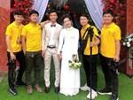 Vợ Phan Văn Đức khoe vòng vàng, nhẫn vàng đầy tay sau lễ ăn hỏi-3