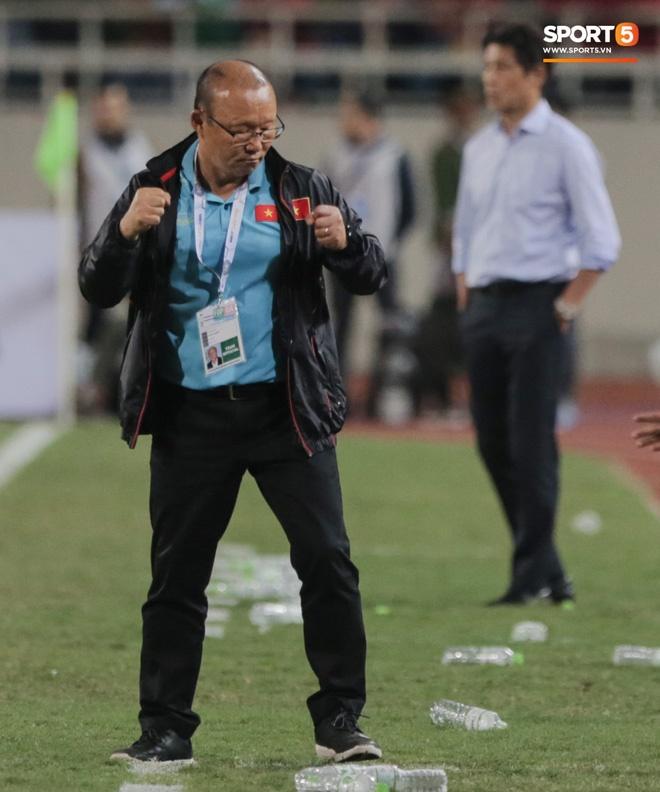 Tuyển Việt Nam kết thúc năm 2019 với vị trí chưa từng có trên BXH FIFA, xứng danh nhà vua bóng đá Đông Nam Á-2