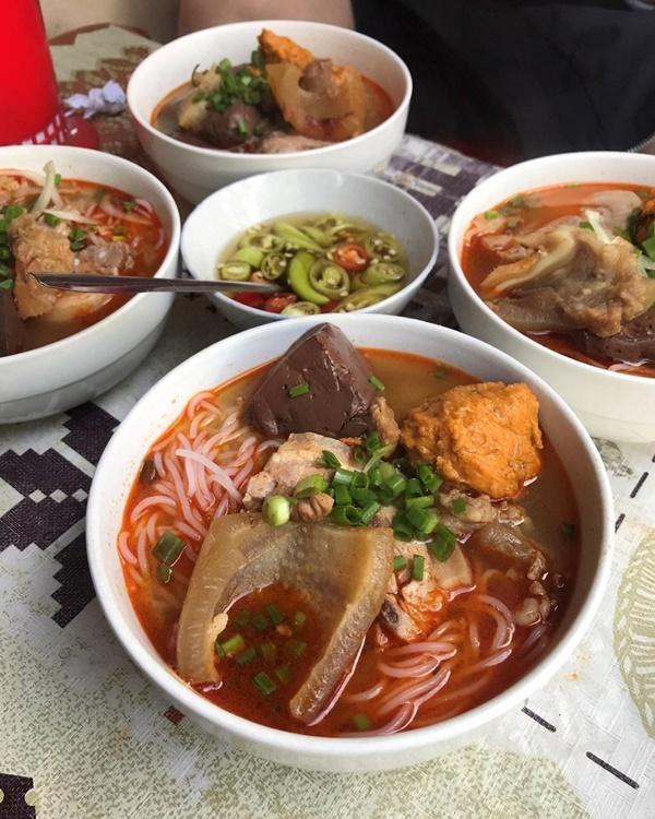 Những món ăn nhất định phảithử khi tới cố đô Huế-1