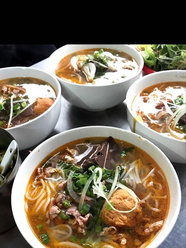 Những món ăn nhất định phảithử khi tới cố đô Huế-2