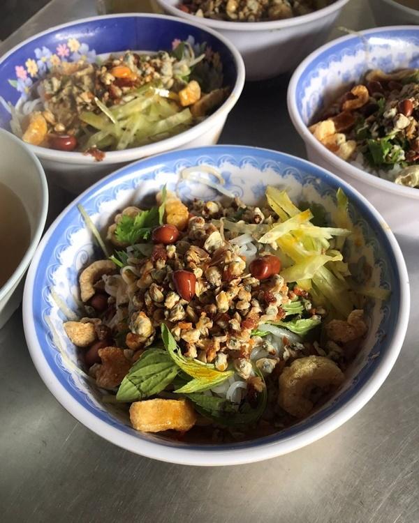 Những món ăn nhất định phảithử khi tới cố đô Huế-9