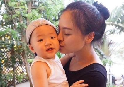 """Thu Quỳnh Về nhà đi con"""": Bà mẹ đơn thân hot nhất showbiz Việt khiến nhiều người khâm phục vì cách dạy con đầy bản lĩnh-5"""