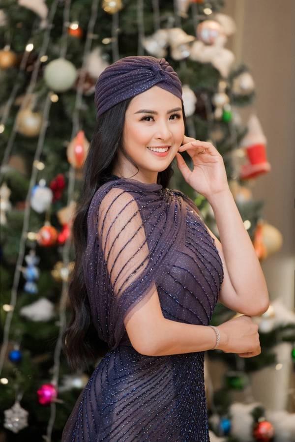 Hoa hậu Ngọc Hân mặc váy xuyên thấu gợi cảm sau khi rò rỉ ảnh dạm ngõ-3