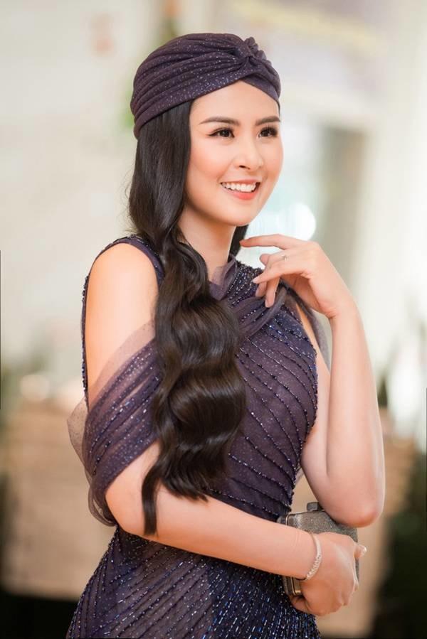 Hoa hậu Ngọc Hân mặc váy xuyên thấu gợi cảm sau khi rò rỉ ảnh dạm ngõ-4