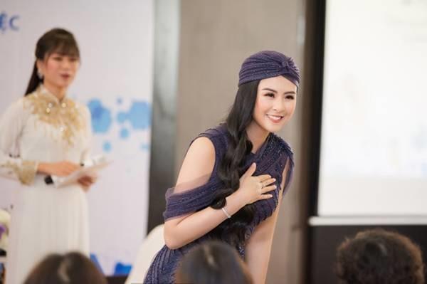 Hoa hậu Ngọc Hân mặc váy xuyên thấu gợi cảm sau khi rò rỉ ảnh dạm ngõ-8