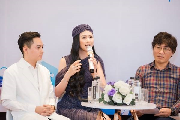 Hoa hậu Ngọc Hân mặc váy xuyên thấu gợi cảm sau khi rò rỉ ảnh dạm ngõ-9