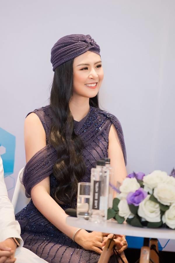 Hoa hậu Ngọc Hân mặc váy xuyên thấu gợi cảm sau khi rò rỉ ảnh dạm ngõ-10