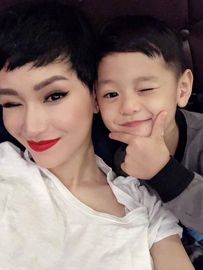 4 nhóc tỳ hot MXH 2019: Con Hà Anh được David Beckham khen, con Đan Trường sống cực sang chảnh-10