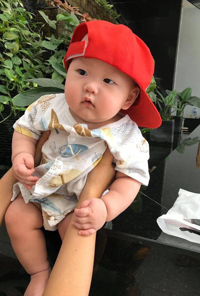 4 nhóc tỳ hot MXH 2019: Con Hà Anh được David Beckham khen, con Đan Trường sống cực sang chảnh-11