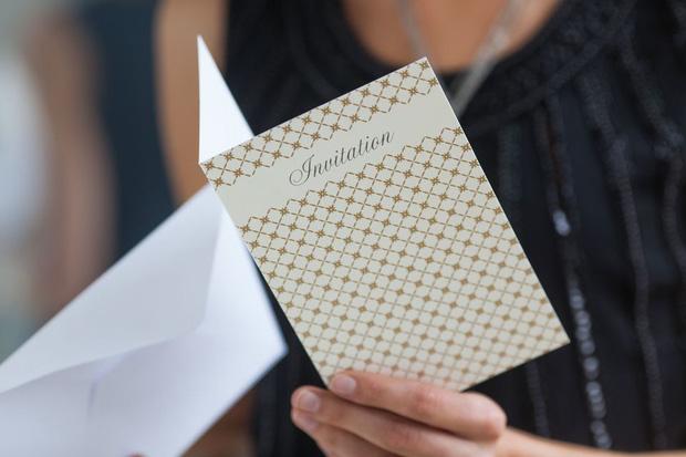 Văn hoá mời cưới thời 4.0: Chat sơ sài qua Facebook hoặc tag tên hàng chục người vào 1 tấm thiệp, đừng khiến khách cảm thấy bị mời!-3
