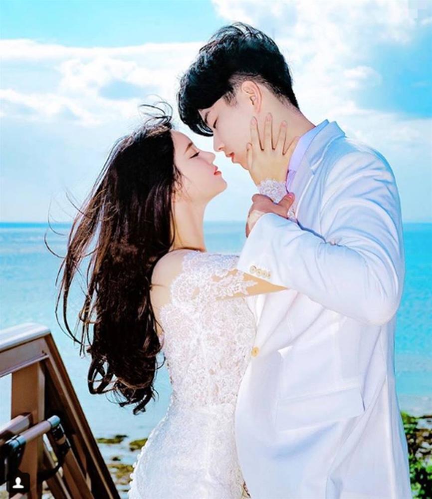 """Sắp cưới thì nhận được tin nhắn cà khịa từ người yêu cũ của chồng: Anh ấy ngủ hay đạp chăn lắm em ạ"""", cô dâu bình tĩnh đáp trả khiến cô ta im bặt-1"""