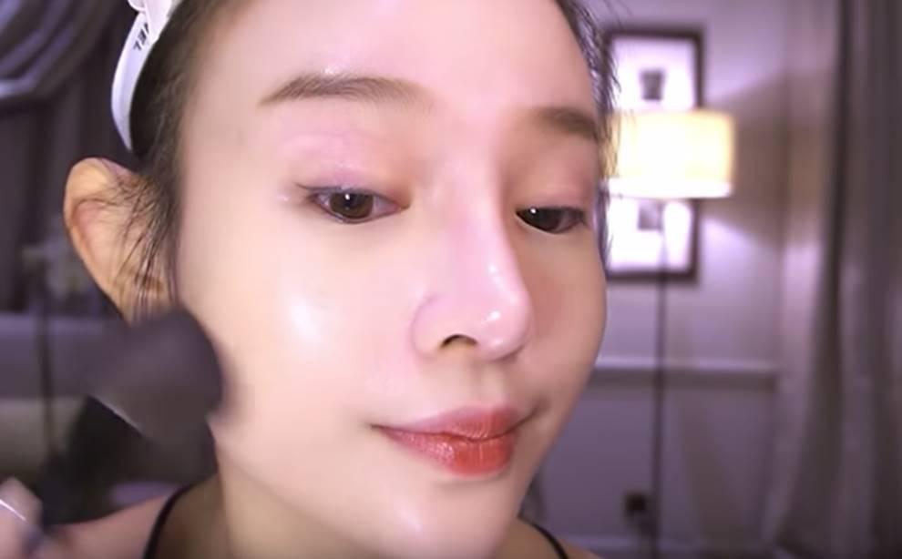 Huyền Baby khoe mặt mộc khó tin, so với ảnh lúc makeup lên đồ mới thấy: Có những người cứ trẻ mãi, phải tự làm mình già cho bớt ngại-5