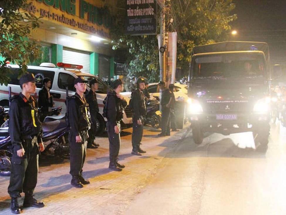 Công an Đồng Nai trắng đêm trấn áp nhóm giang hồ xông vào Bệnh viện Tâm Hồng Phước khống chế giám đốc đòi nợ-2