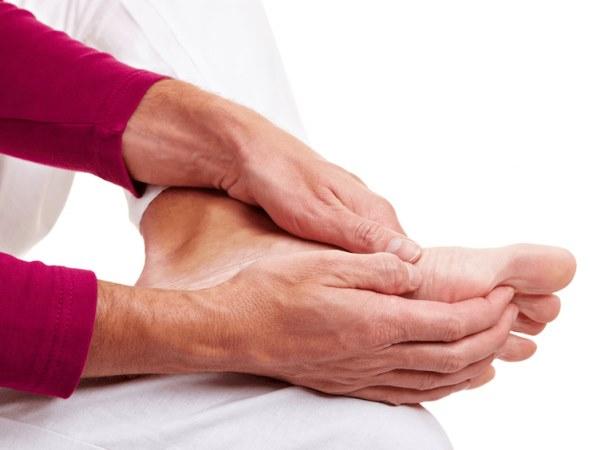 Tay chân lạnh, là dấu hiệu của 4 bệnh nguy hiểm nhiều người không nghĩ tới-2