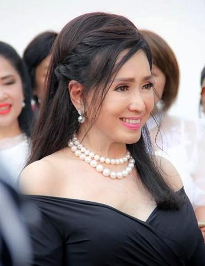 Vẻ ngoài trẻ trung của Hoa hậu Hoàn vũ 72 tuổi-7