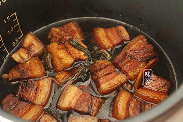 Mẹo kho thịt bằng nồi cơm điện đã ngon lại chẳng tốn nhiều công sức nấu-7