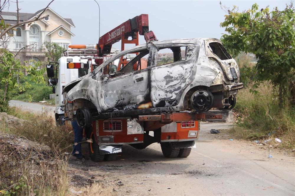 Đặc điểm nhận dạng nghi can giết người cướp tài sản rồi đốt xe phi tang ở Sài Gòn: Người Hàn Quốc, dáng thư sinh, da trắng, đeo kính cận-2
