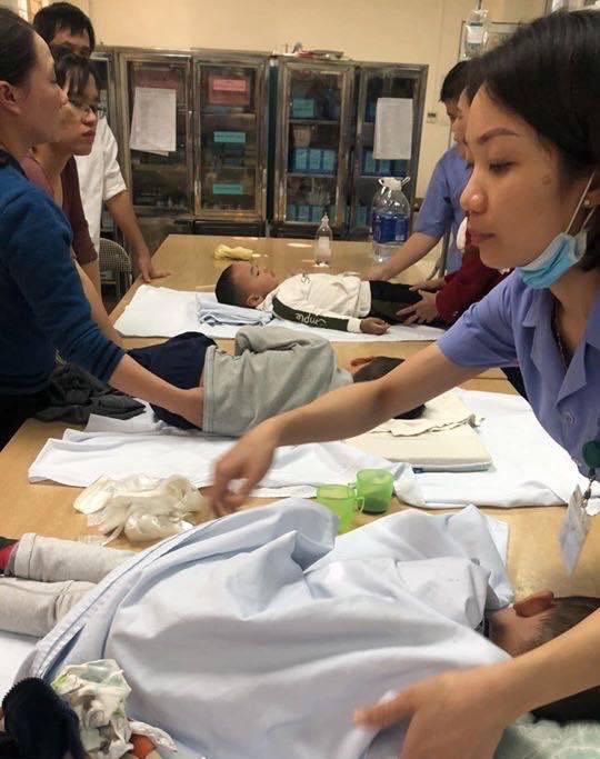 Nóng: Gần 60 học sinh mầm non ở Thanh Hóa nhập viện nghi do ngộ độc-6