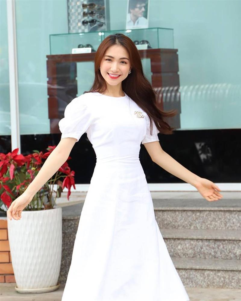 Hòa Minzy thay đổi phong cách sau tin đồn vừa sinh con-14