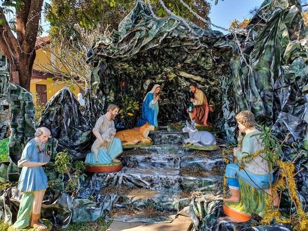 Toàn cảnh hai nhà thờ lớn ở Huế trong dịp Giáng sinh-5
