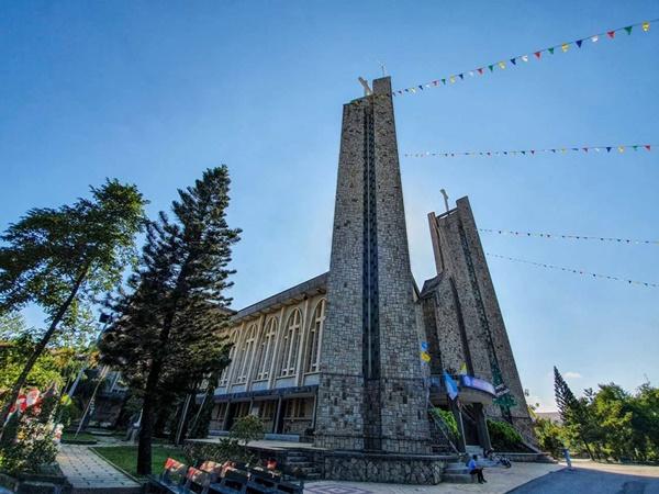 Toàn cảnh hai nhà thờ lớn ở Huế trong dịp Giáng sinh-9