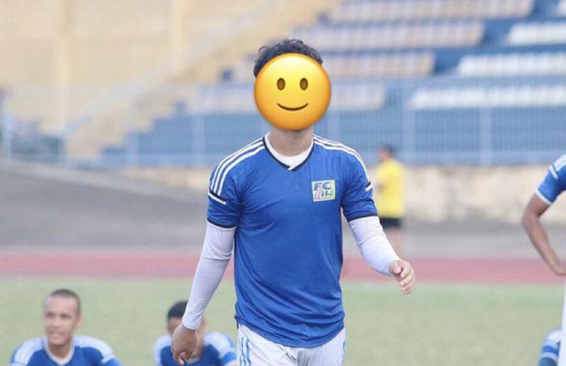 Xôn xao chuyện 1 cầu thủ bị lộ ảnh nhạy cảm, được cho chính là hot boy sân cỏ mới nổi của U23 Việt Nam-2