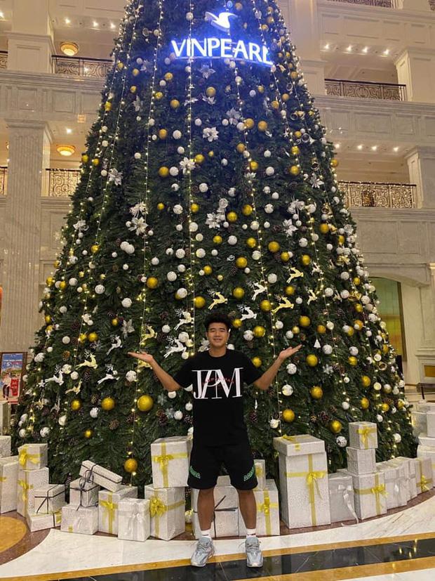 Quang Hải, Đức Chinh cùng gửi lời chúc Giáng sinh, fan lại soi ra hai chàng viết giống nhau đến từng dấu phẩy-5