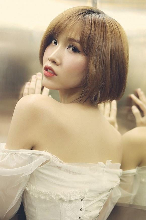Loạt ảnh diện bikini khoe dáng của người đẹp chuyển giới kế nhiệm Hoa hậu Hương Giang-7