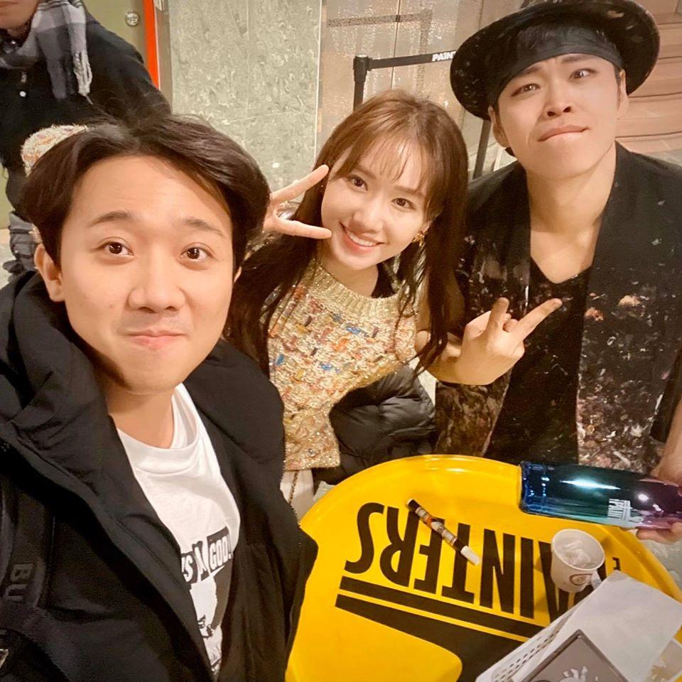 Du hí Hàn Quốc cùng Hari Won, Trấn Thành bị soi kiểu tóc nhìn không thể mê nổi-3