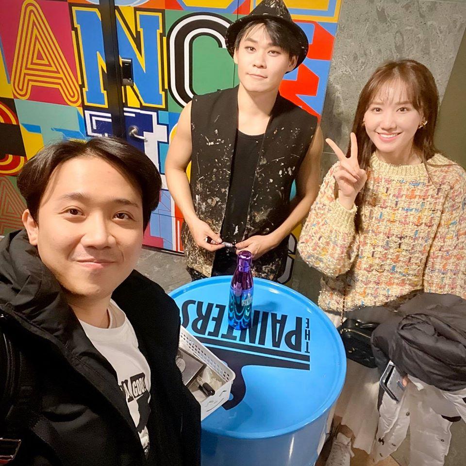 Du hí Hàn Quốc cùng Hari Won, Trấn Thành bị soi kiểu tóc nhìn không thể mê nổi-4