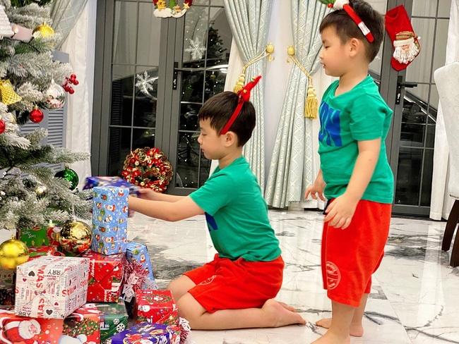 Tự giác làm việc nhà là thế nhưng lúc xin quà Giáng sinh, thánh ăn nhà Đăng Khôi - Thủy Anh lại chỉ thích món đồ rẻ tiền này-3
