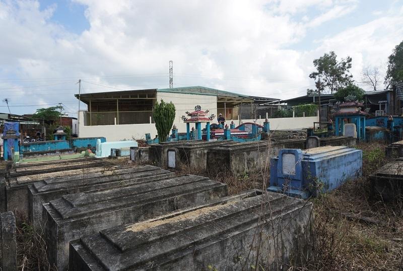 Ớn lạnh khu dân cư 'sống chung với hàng nghìn người chết' ở Đà Nẵng-2
