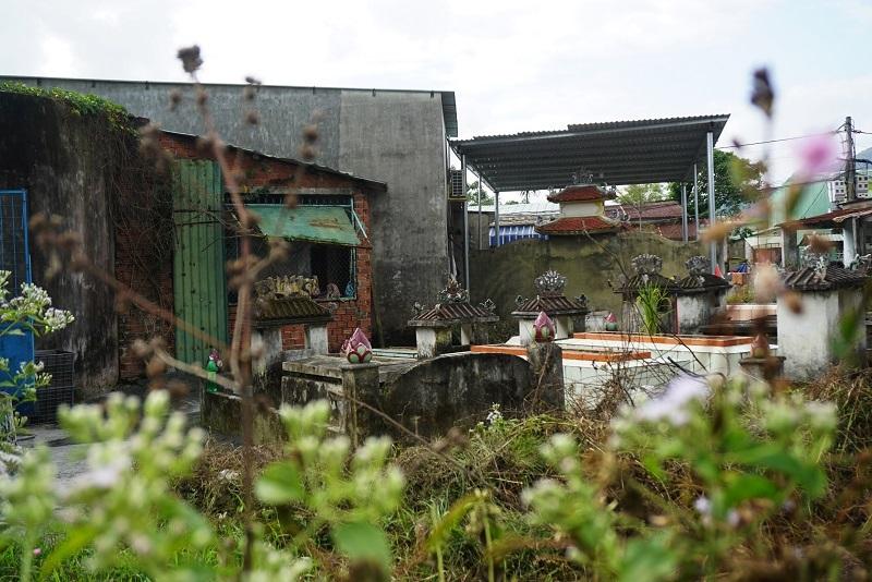 Ớn lạnh khu dân cư 'sống chung với hàng nghìn người chết' ở Đà Nẵng-3