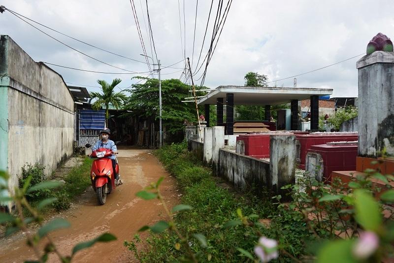 Ớn lạnh khu dân cư 'sống chung với hàng nghìn người chết' ở Đà Nẵng-9