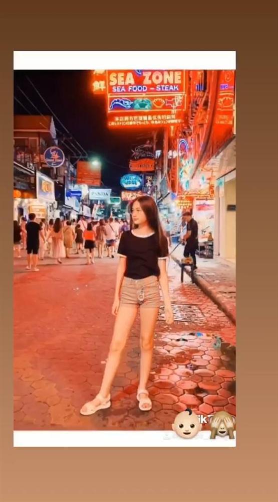 Hành trình lột xác thành thiếu nữ của em gái thủ môn Đặng Văn Lâm, xinh cỡ này chắc kén rể cực lắm đây-6