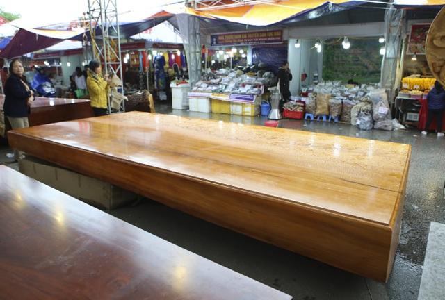 Chiêm ngưỡng những chiếc phản làm bằng gỗ cẩm giá hơn 2 tỷ-11
