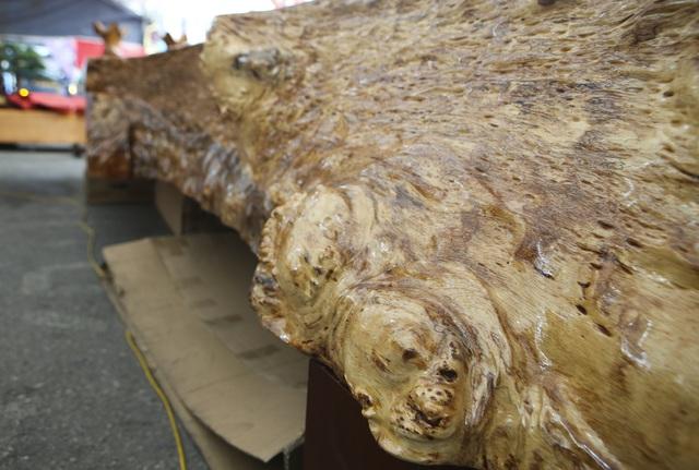 Chiêm ngưỡng những chiếc phản làm bằng gỗ cẩm giá hơn 2 tỷ-3