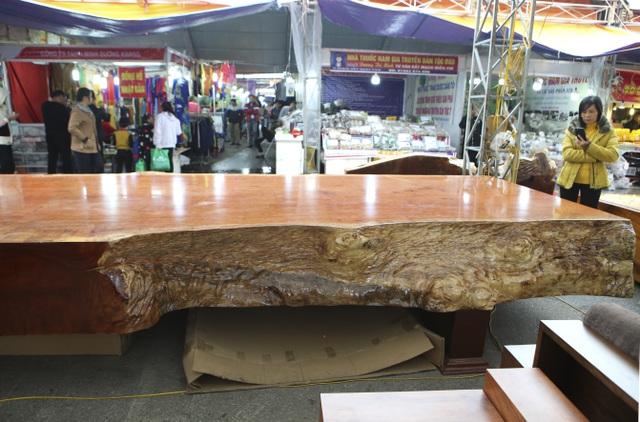 Chiêm ngưỡng những chiếc phản làm bằng gỗ cẩm giá hơn 2 tỷ-4