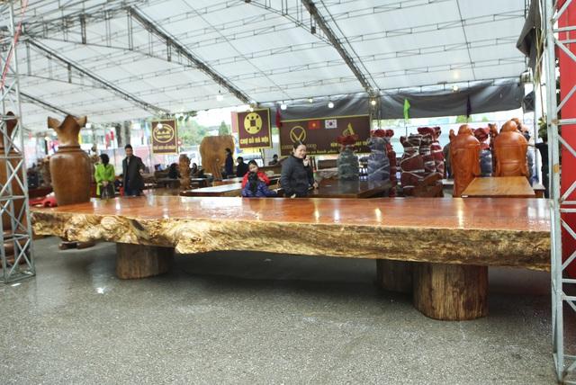 Chiêm ngưỡng những chiếc phản làm bằng gỗ cẩm giá hơn 2 tỷ-7