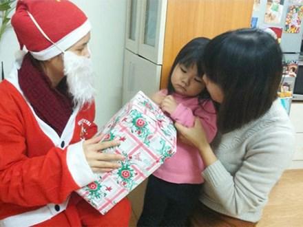 Cười đau bụng dịp Giáng sinh: Con háo hức được gặp ông già Noel nhận món quà mong ước và cái kết