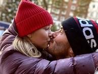 Từ hôn môi con đến chuyện lạm dụng tình dục: Chuyên gia tâm lý chỉ ra 3 tác hại, bố mẹ nên bỏ ngay cách thể hiện tình cảm đầy hiểm họa này