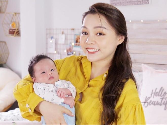 Con của cầu thủ, hot girl mới ra đời đã thành hot baby nổi tiếng mạng-4