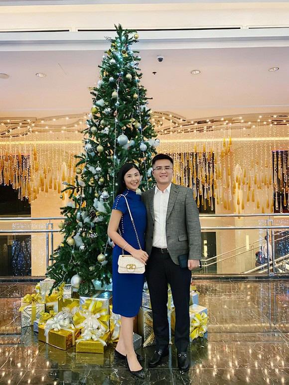 Sau tin đồn làm lễ dạm ngõ, chồng sắp cưới của Hoa hậu Ngọc Hân đã công khai đăng ảnh tình tứ-1